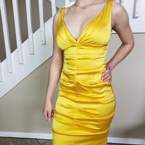 gorgeous yellow Cache cocktail dress